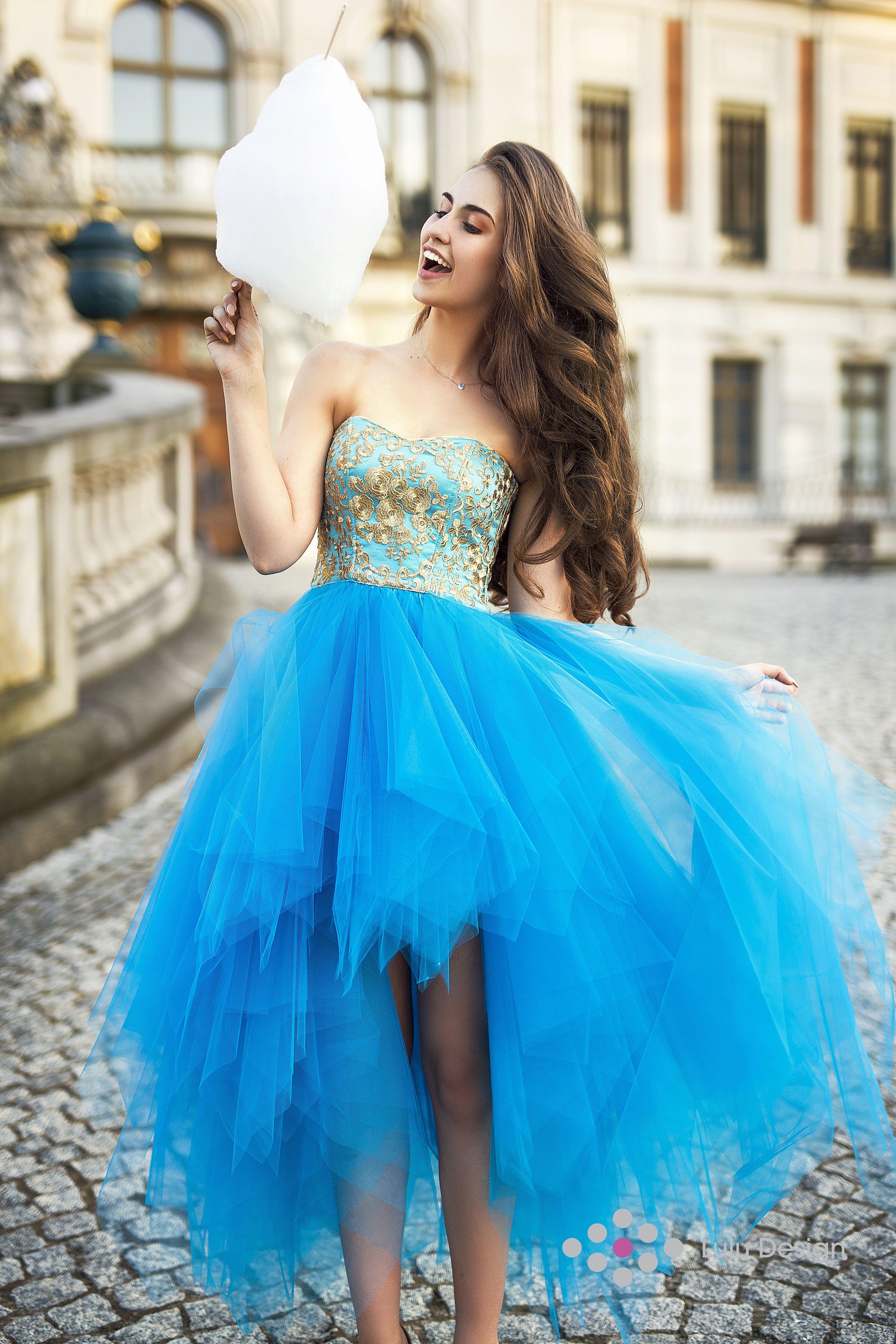 823dfae61c Suknia Montana Lace marki Lulu Design. Mnóstwo tiulu i piękna złota koronka   lt 3