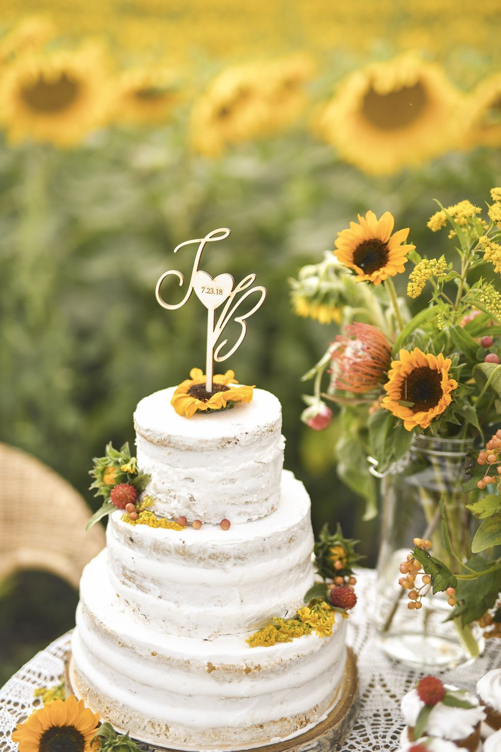 CAKE TOPPER wood | Wedding cake inspiration | Pinterest | Sunflowers ...