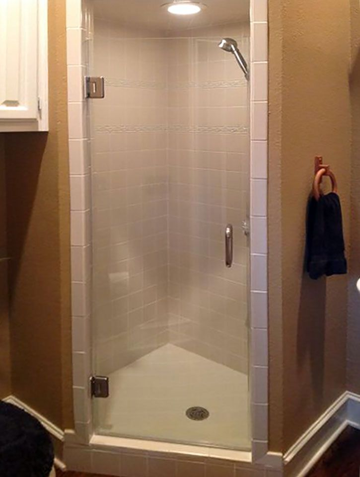 Single Frameless Glass Shower Door