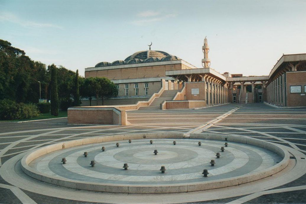 Mosque in Rome italy | Islamic architecture, Mosque ...