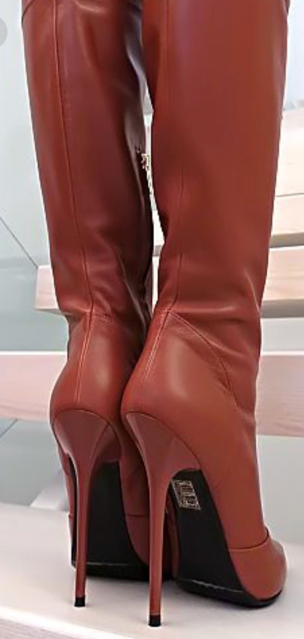 c24bedee65ae Chaussures Talons Bottes. Talons Hauts Sexy. Bottes À Talons. Really like  these! Bottes Femme