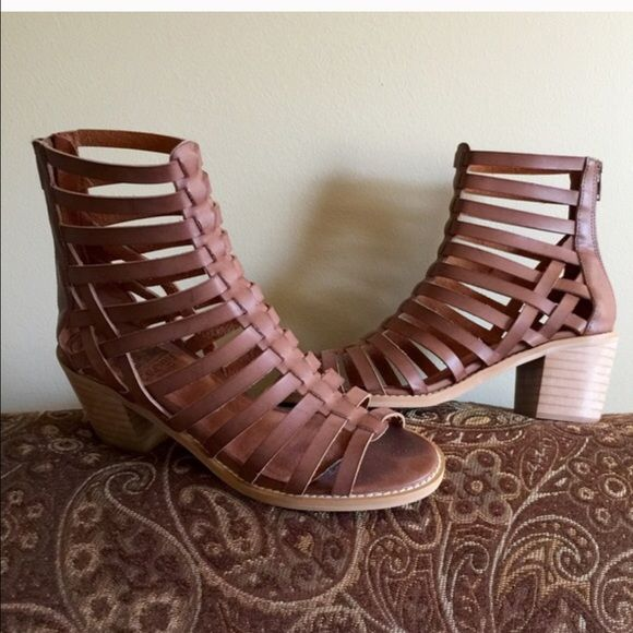 e3c93609b816 Crown Vintage Annika Gladiator Sandals With a chunky stacked heel and  gladiator styling