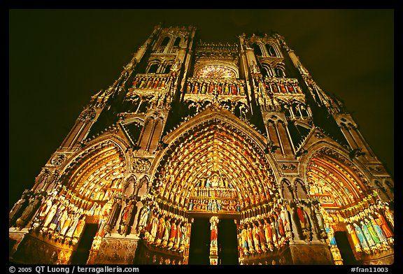 Catedral de Notre Dame, Paris - A famosa catedral, uma magnífica obra de…