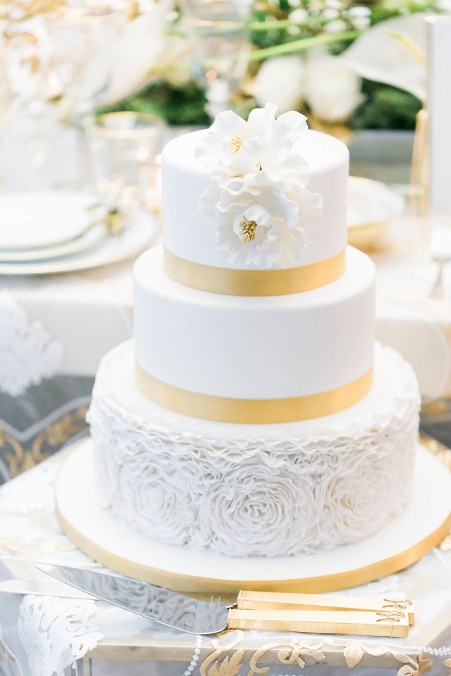 All The Glitz And All The Glam Holiday Wedding Inspiration