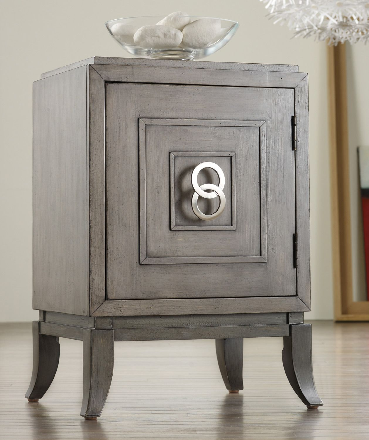 Melange Easton Chairside Chest By Hooker Furniture   Home Gallery Stores