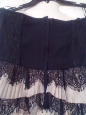 H NWOT Gorgeous Black & pink ruffle tierred lace hem with lace corset Bodice Size 12 $25.00