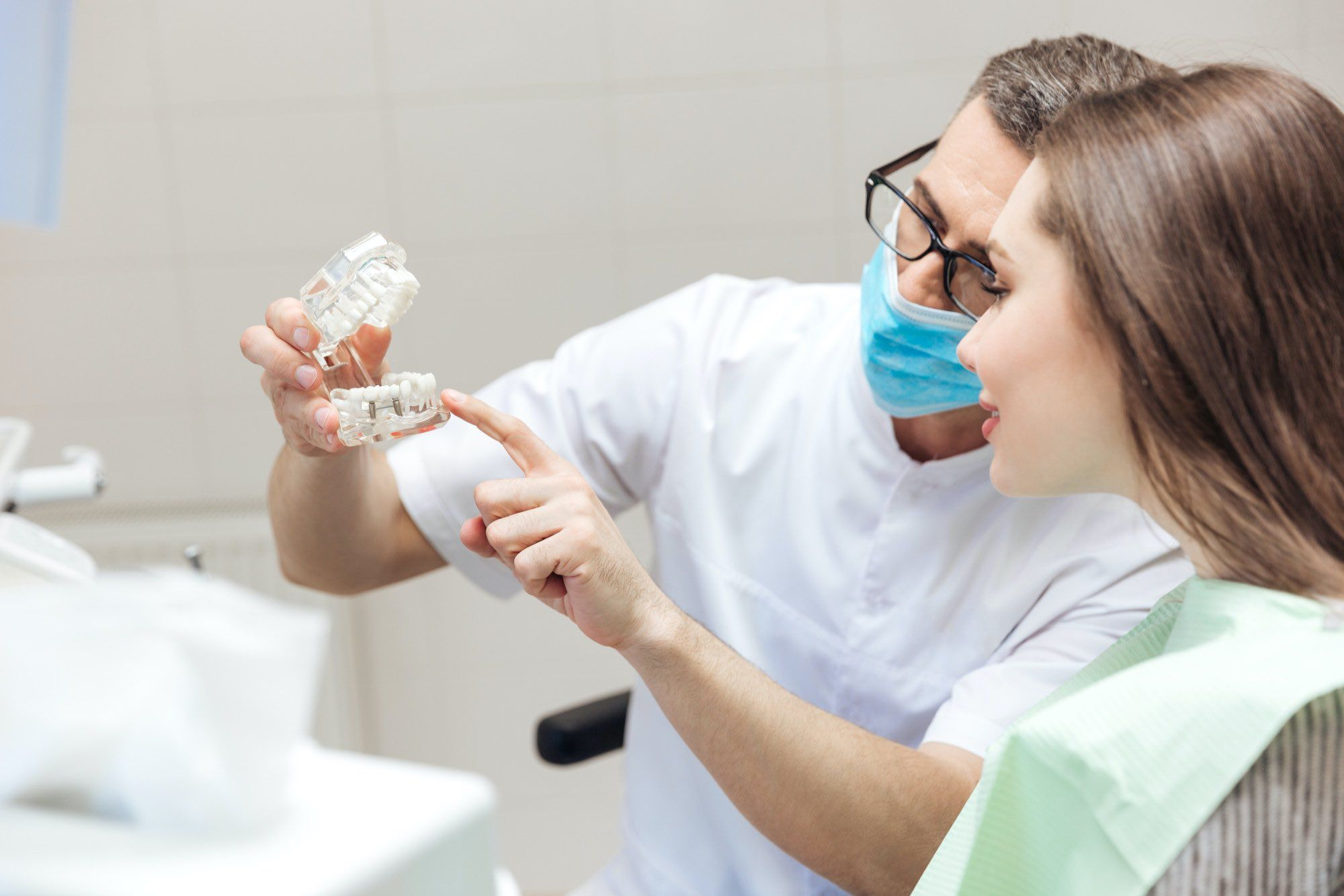 3 major reasons you might need a dental crown elmens in