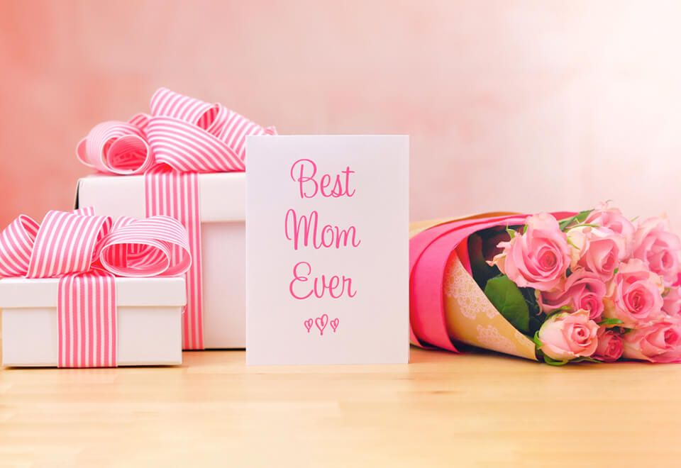 The 10 Most Popular Mother S Day Gifts In The Arab World Gifts Mother S Day Gifts Flower Gift