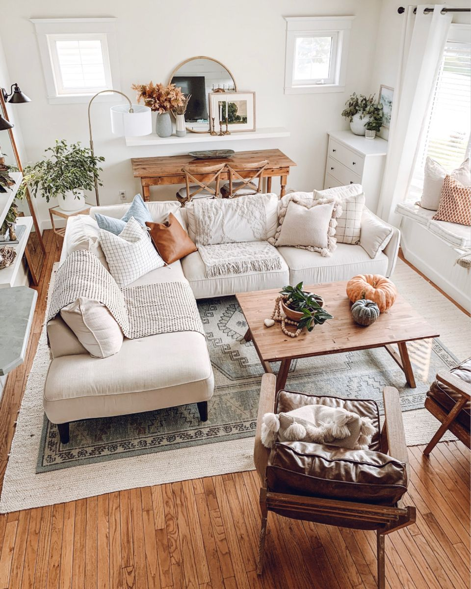 Photo of Neutral living room with fall decor
