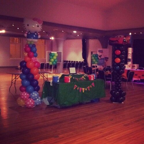 Balloon columns to decorate my stand at Big Day Out Edinburgh. Inspiration taken from many designs found on Pinterest.