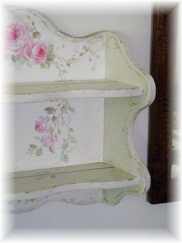 Épinglé par Marjolaine Dupond sur MEUBLES FRENCH TOUCH Pinterest - vernir un meuble peint