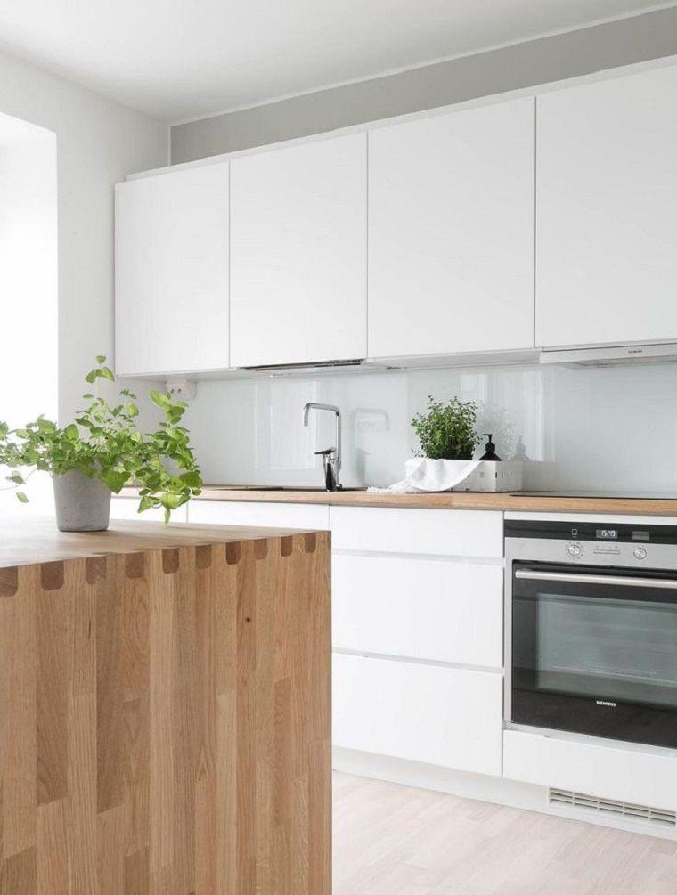 Color Blanco Y Madera De Roble Para Las Cocinas Modernas Decoracion De Cocina Moderna Cocina Blanca Y Madera Cocina Minimalista