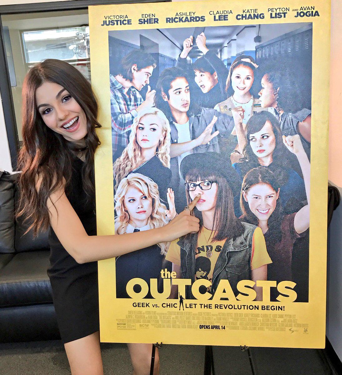 Victoria Justice Verified Account Victoriajustice 21h21 Hours Ago More Getting Ready For The Premiere Of Outcastsmovie Ton Victoria Justice Victoria Justice