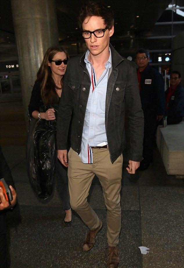 0eb1e1cd0b6 Eddie Redmayne Arrives at LAX in Thom Browne Ahead of the Oscars ...