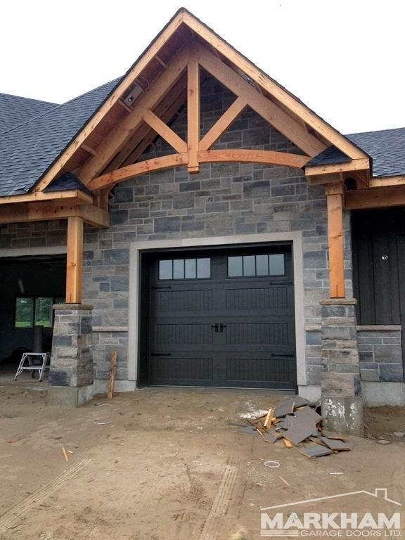 Visit our photo gallery to see a variety of garage door installation projects that we have completed over the years. For more information, contact us today.