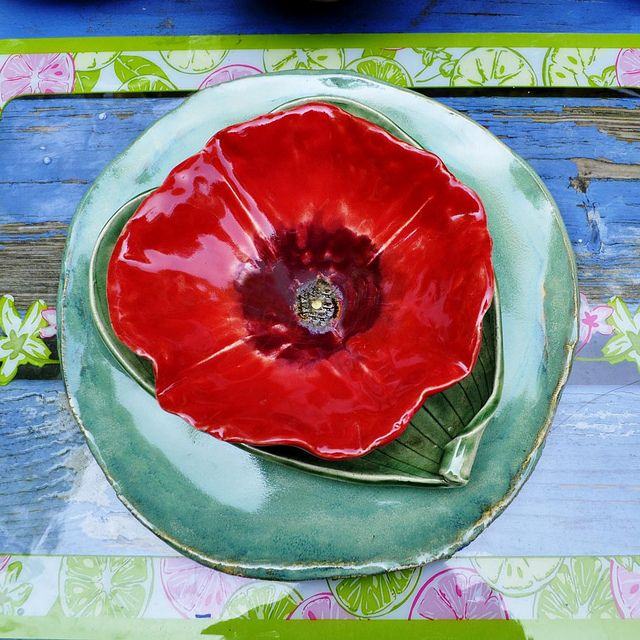 red poppy place setting | Place setting and Bowls