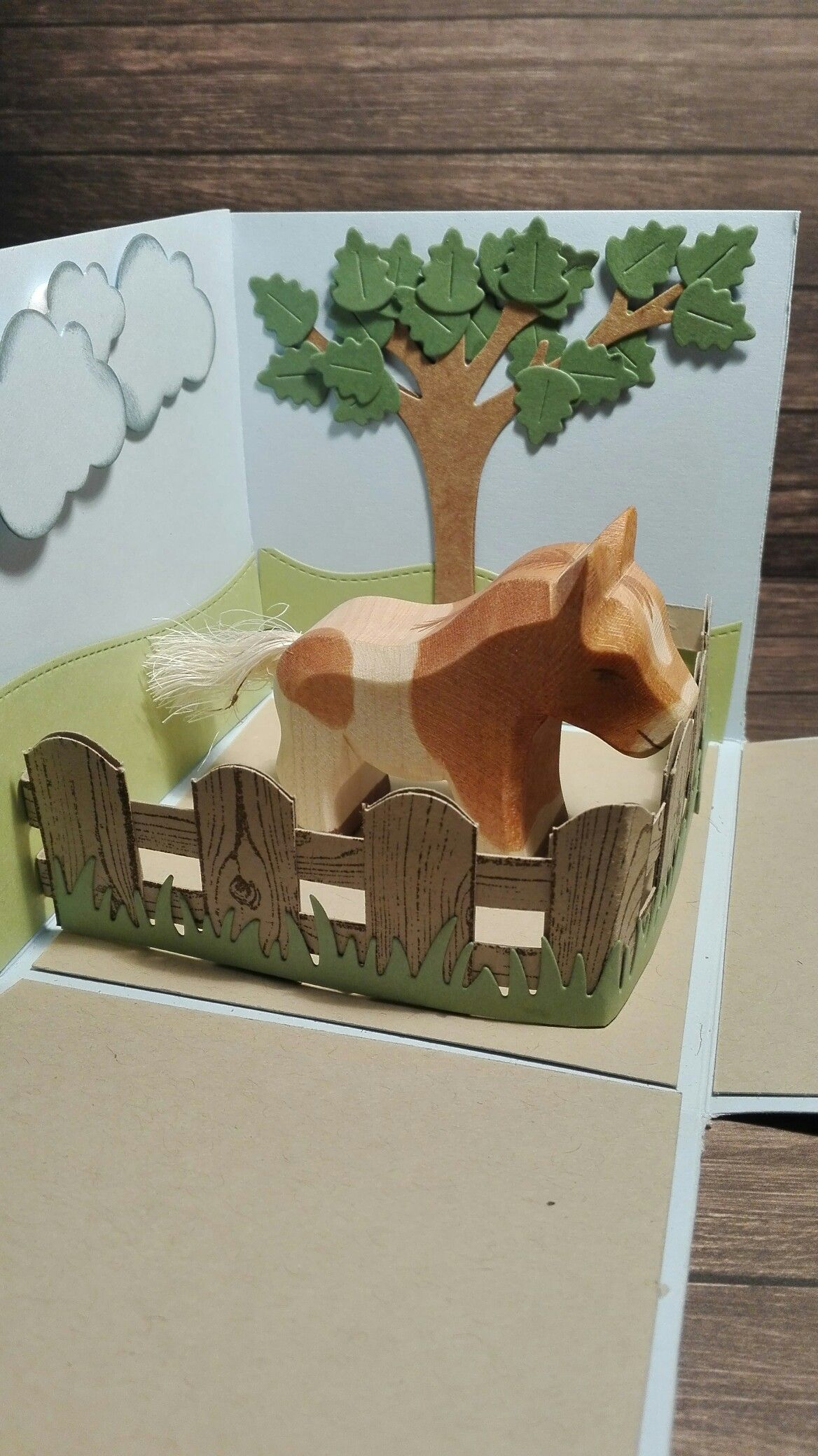 Explosionsbox to wrap a wooden toy horse #lawnfawn #stampinup