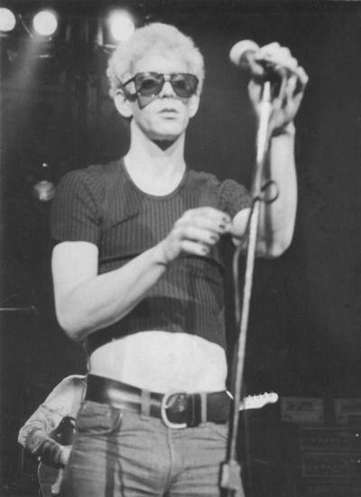 Lou Reed on stage - Imgur