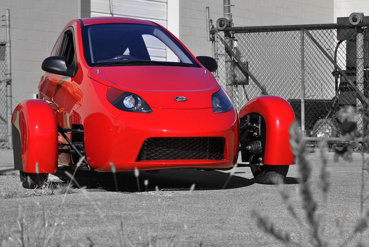Say Hello To Elio The Ultra High Mileage Sleek Two Seater For An Incredibly Affordable Base Price The Next Big Thing In Trans Elio Motors Mini Cars Tiny Cars