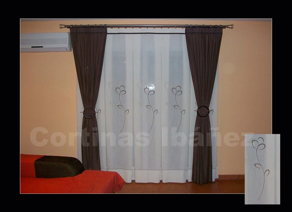 Montaje en barra doble de acero con caidas recogidas en - Barra doble cortina ...
