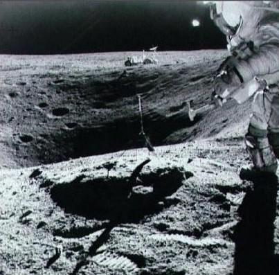 1972-ovni-ufo-Apollo-16.jpg