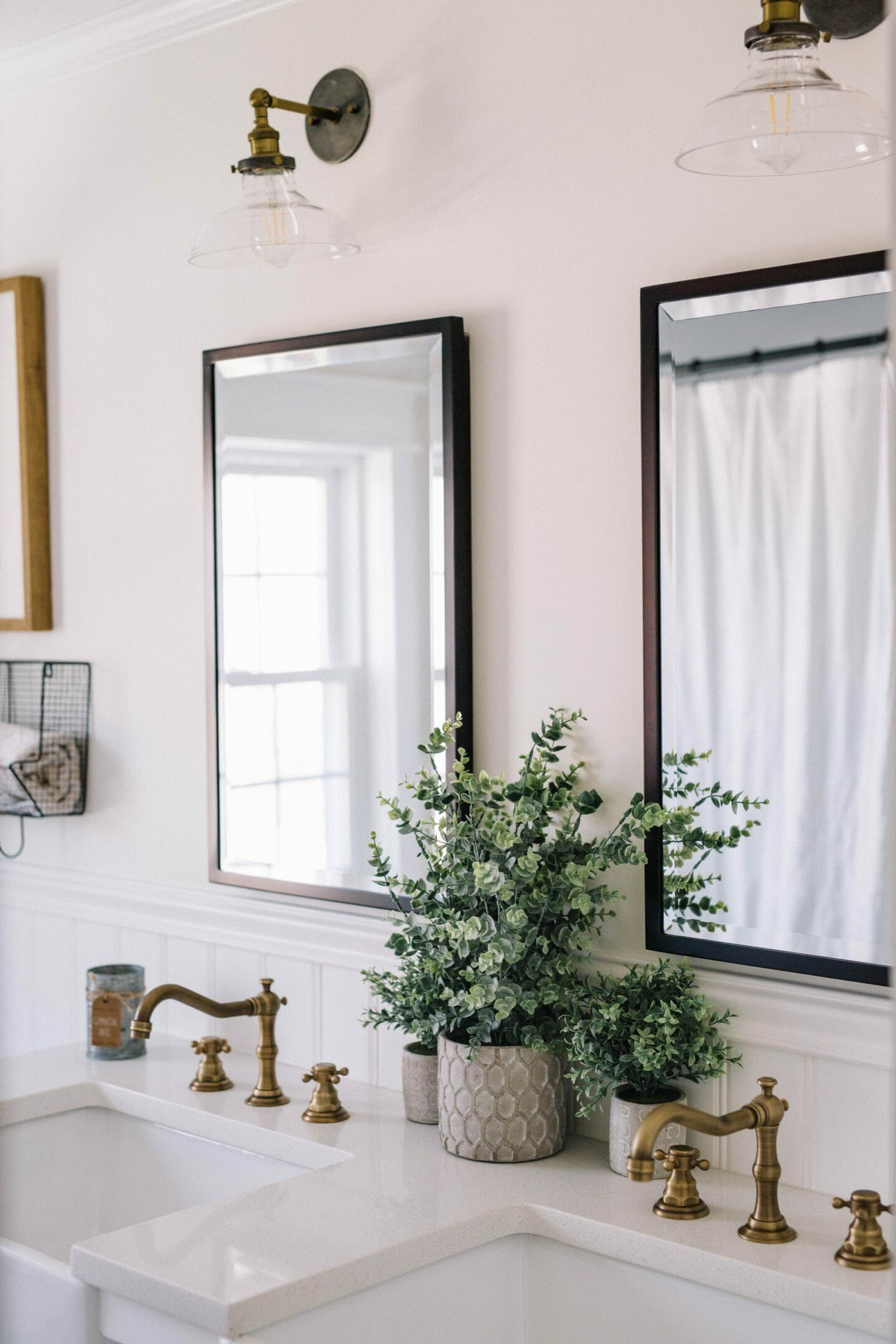 Photo of Farmhouse Bathroom Makeover – Lynzy & Co.