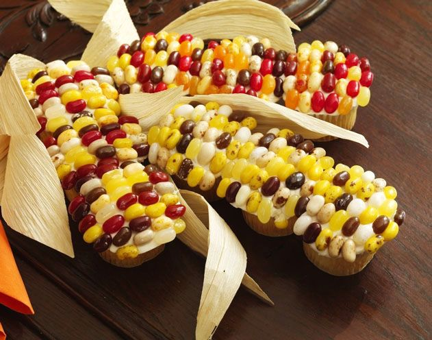 Indian corn on the cob cupcakes. Pic only but it looks like jelly beans were used to make this  ︎︎︎︎