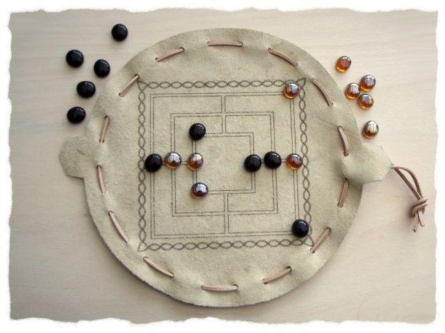 spiel im lederbeutel 39 39 m hle 39 39 spiele im lederbeutel diy games diy und games. Black Bedroom Furniture Sets. Home Design Ideas