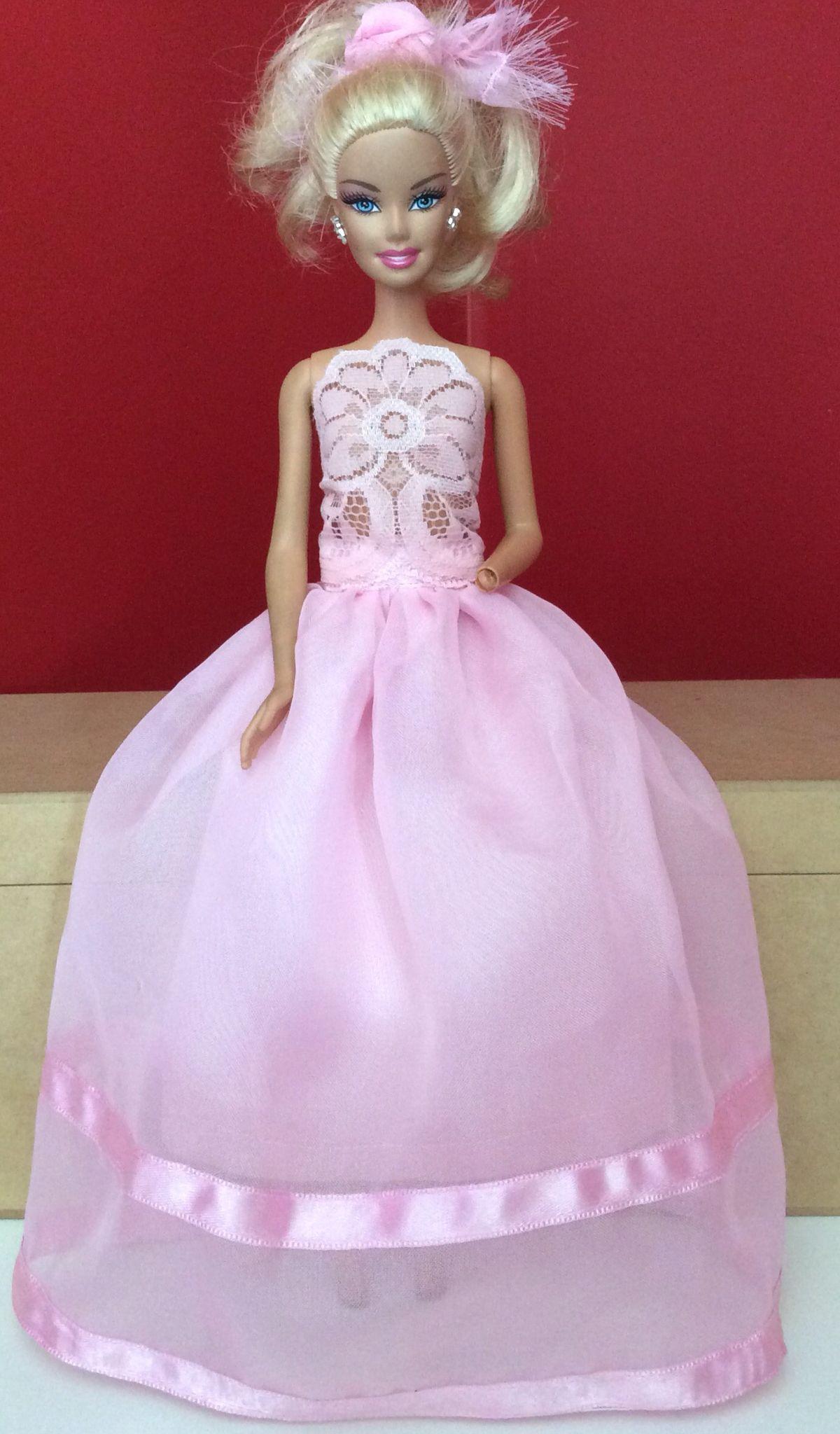 Vestido rosa com renda