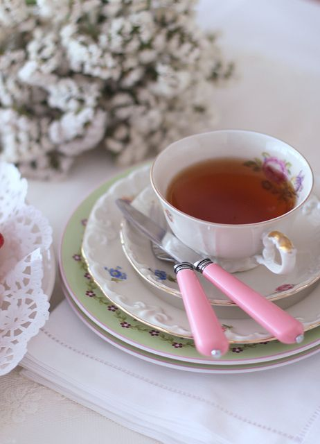 a cup of tea by cafe noHut