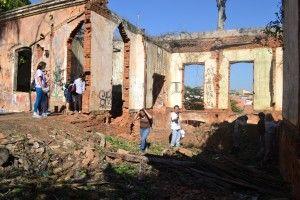 Começam Oficinas do Patrimônio: alunos visitam sítio arqueológico