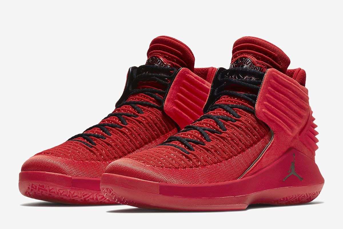 Jordan Brand will be revealing the Air Jordan 32 very soon.One of the first  colorways expected to release is this Air Jordan 32 Rosso Corsa that comes  dres