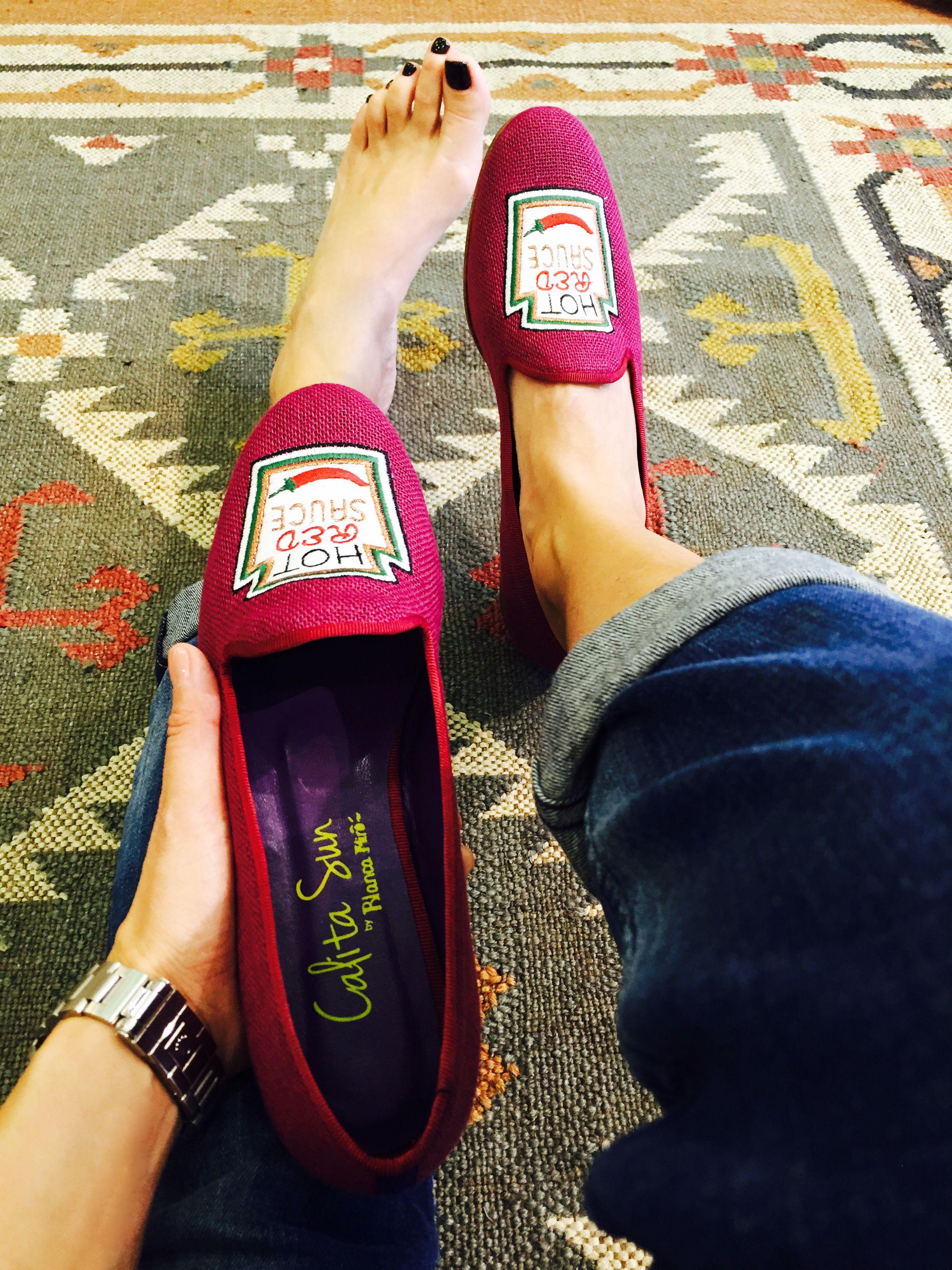 Hot Red Tuesday, Hot Red Sauce #diariodeestilo #ELLEblogs #elle2015 Calita Loafers http://calitashoes.com/ Ayer, en IA MASSANA Av. Diagonal, 626 #Barcelona probándome mis nuevas #calitaloafers #hotredsauce Info: 932009917    http://calitashoes.com/