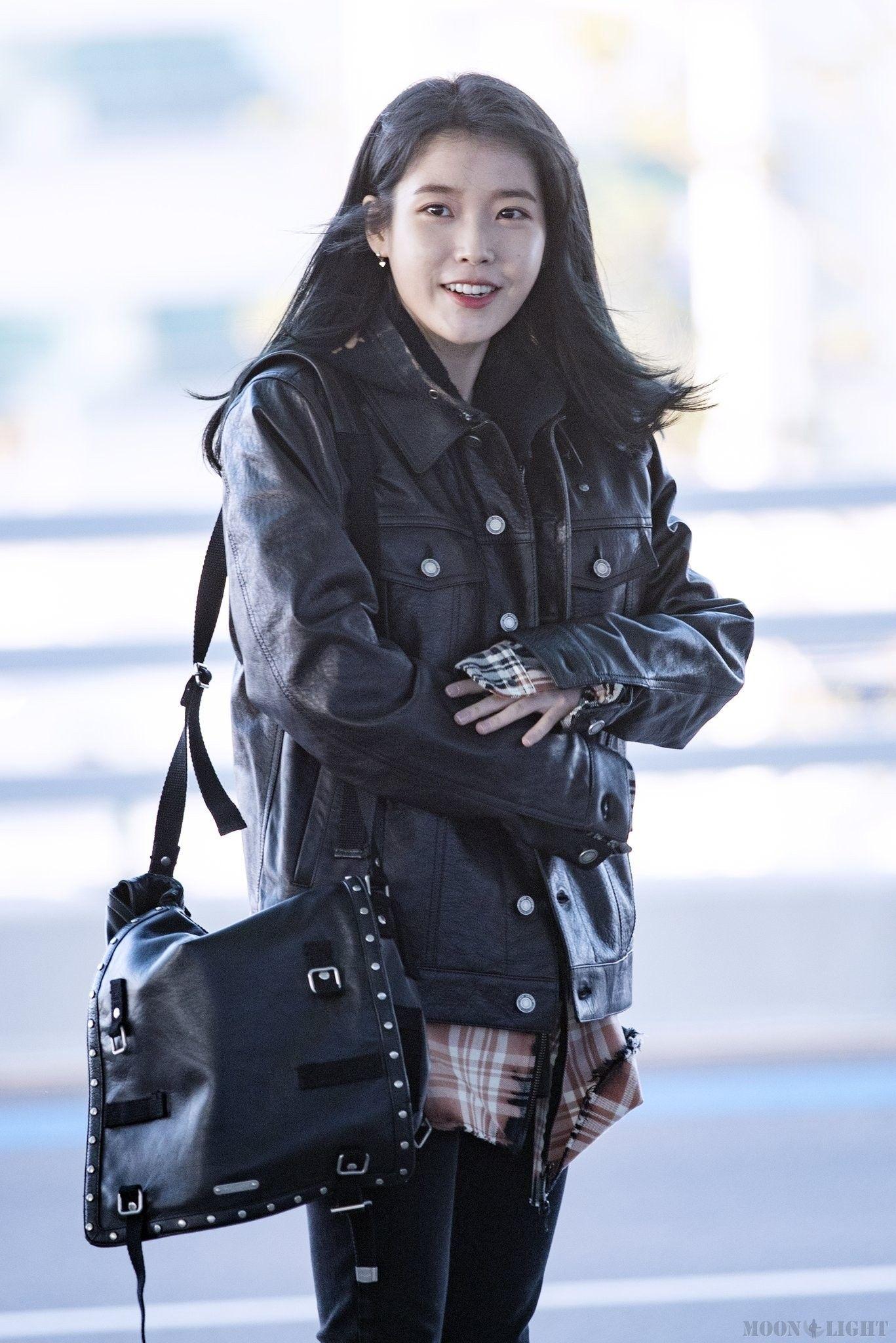 Pin By Relax On Amazing K Dramas Balenciaga City Bag Fashion Idol Korean Celebrities
