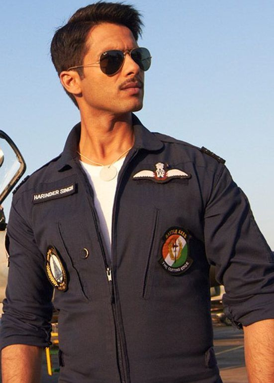 Shahid Kapoor in #Mausam sported the Air Force uniform and sure ...