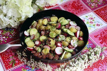 Kesäinen lämmin perunasalaatti