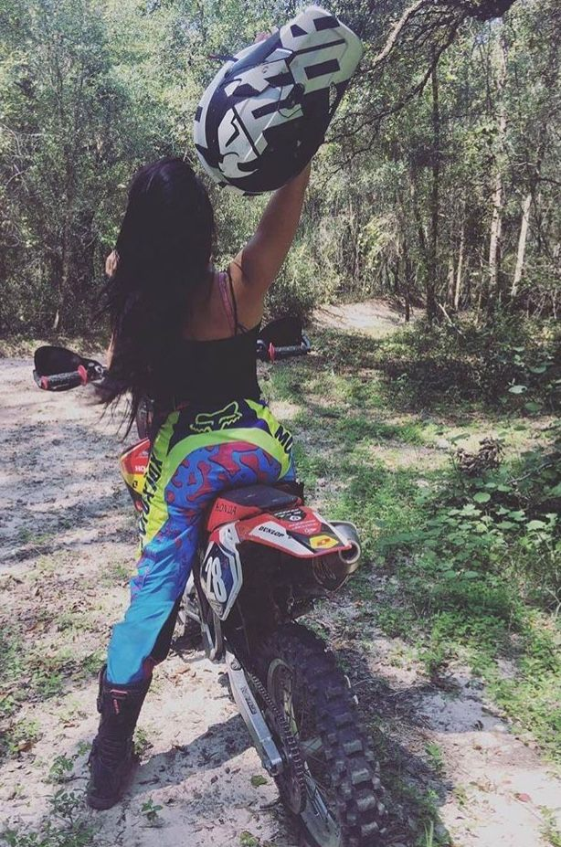 Pin By Ipek Kantar On Motor With Images Motocross Girls Dirt