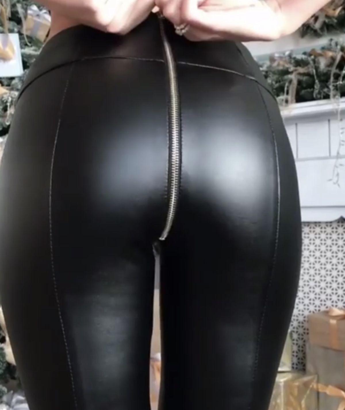 3b091bf53787b Black leather leggings zippered bottom | Leather love | Black ...