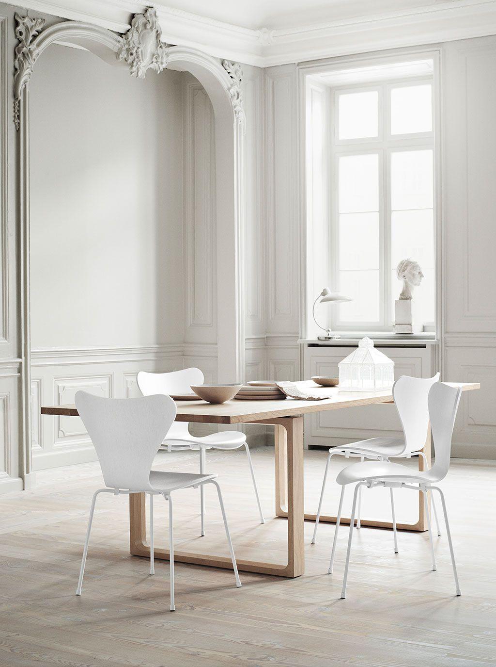 Designer Arne Jacobsens Siebener Stuhl, Auch Bekannt Als Modell 3107. ...