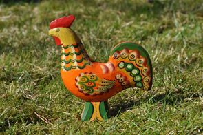 The wooden roosters are not as old as the Dala horses but their history goes back at least to 1760.