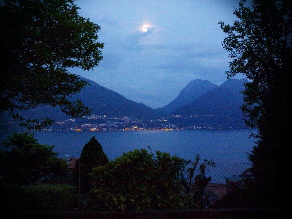 Evening atmosphere on #lakecomo www.hotel-posta.it