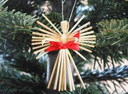 Slovak Wheat Weaving 45 60min Daniela M Czech And Slovak Heritage Christmas Tree Decorations Christmas Crafts Scandinavian Christmas
