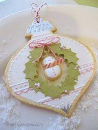 Swirly Designs Snowman wreath Handmade ornament that looks like a cookie.