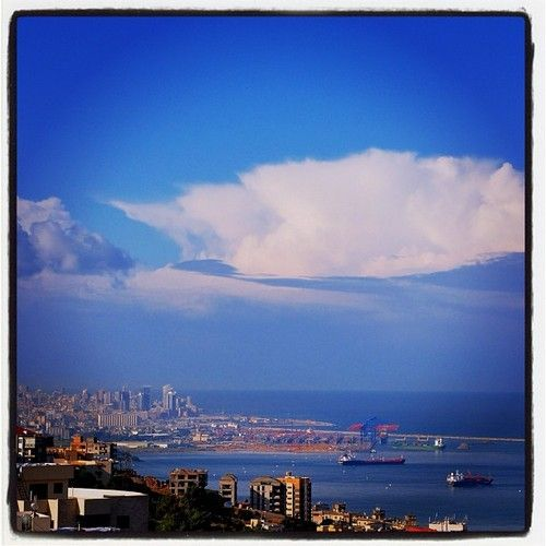 #Beirut after the rain, with the next wave of weather rolling in … (at les Grasberger's)
