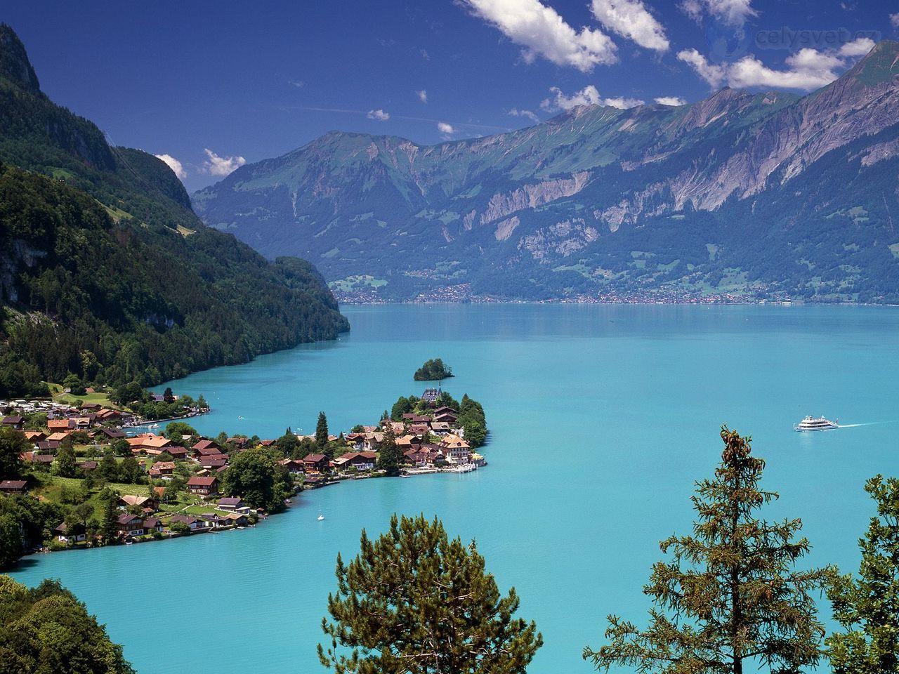 Lakes In Switzerland . Iseltwald Lake