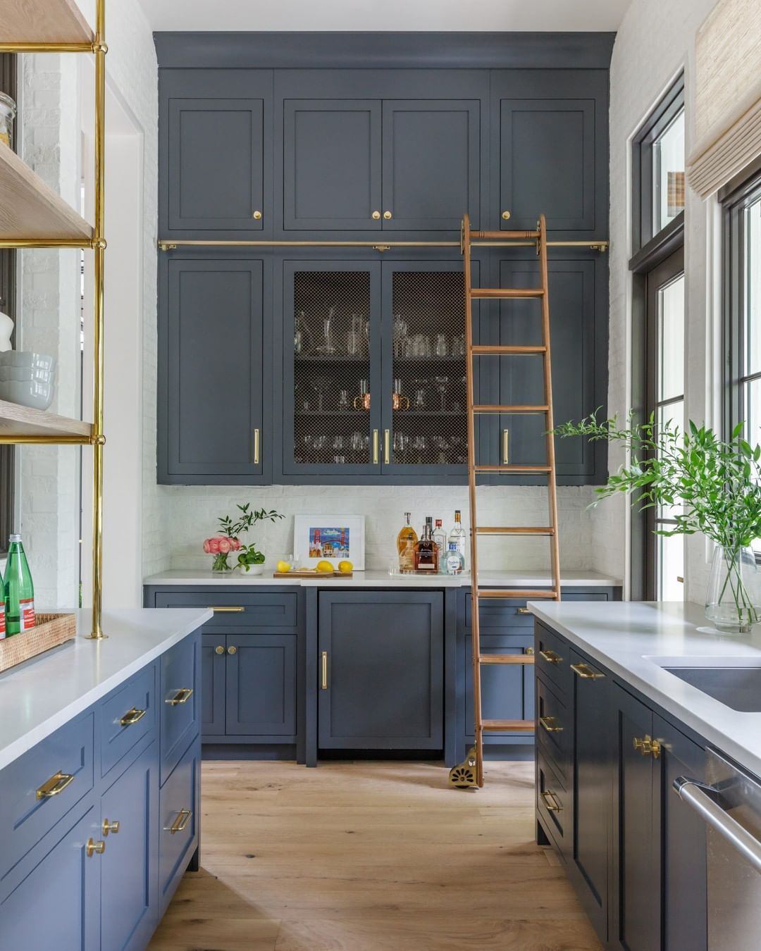 5 Fall Decor Trends That Are Here To Stay Part Ii In 2020 Classic Kitchen Cabinets Kitchen Cabinet Colors Smallbone Kitchens