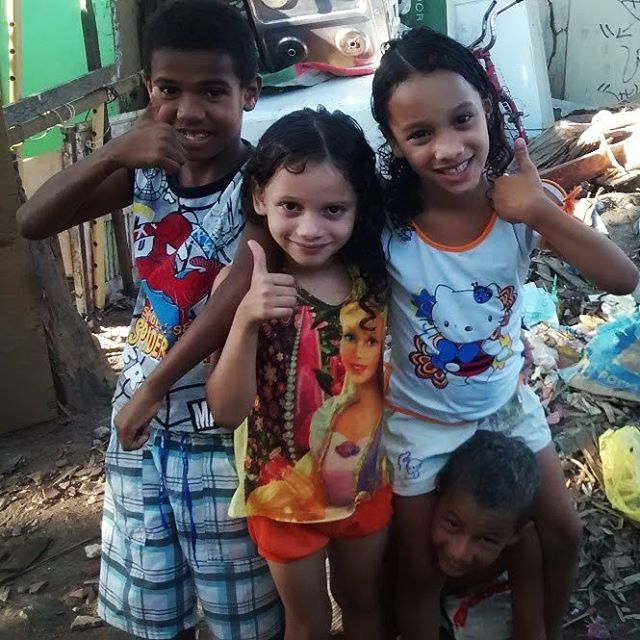 Crianças da comunidade Quilombo dos Palmares em Olinda.  #missões #missoes #criancas