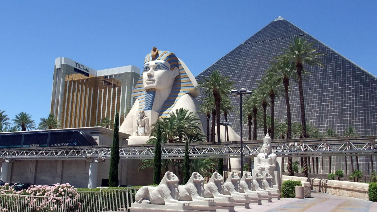 Http Www Wallsave Wallpapers 1600x900 Egypt 240248 Travel Luxor Hotel Egyptian Revival Architecture Las Jpg