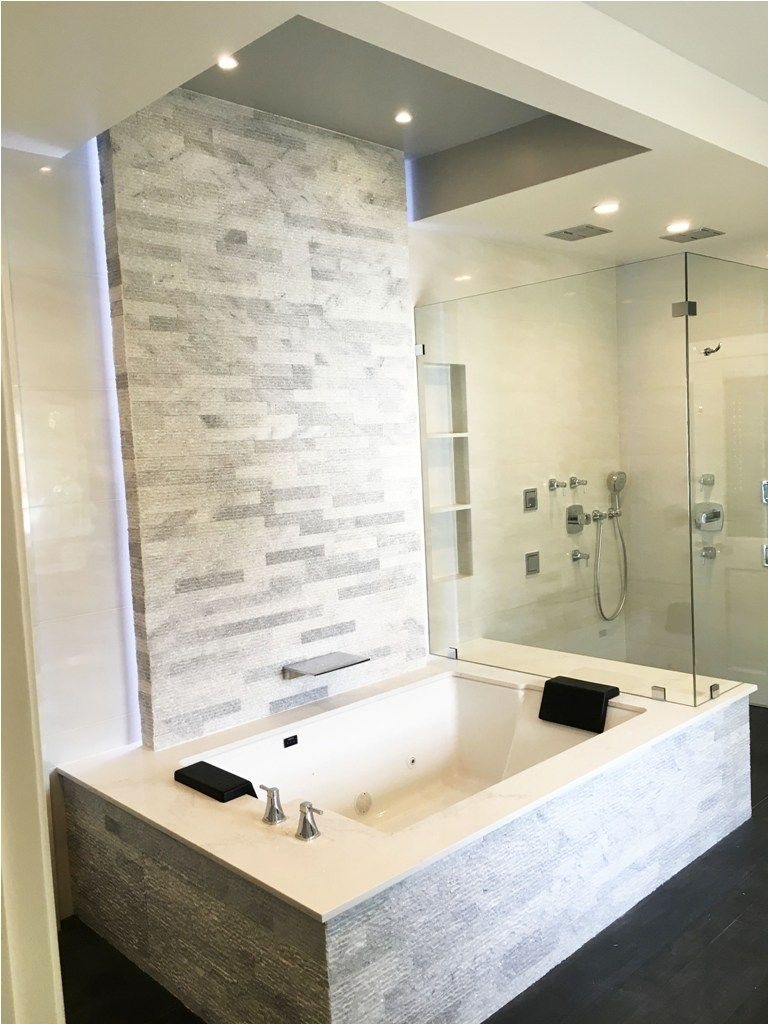 Check Out Our Gallery To Get Best Walk In Bath Tubs Design Decor Tubs Homedecor Bathtubs Bathdesign Ideas Design Decoration In 2020 Bathtub Shower Combo Tub Shower Combo Japanese Soaking Tubs