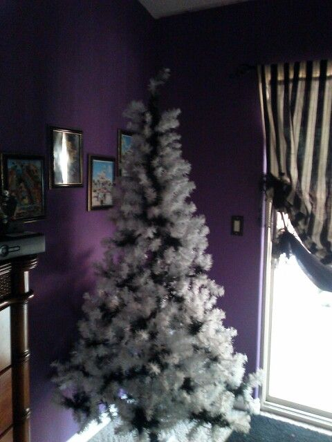 Spray painted my white Christmas tree with blk 2 go with my - the nightmare before christmas decorations